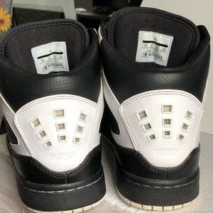 EUC Nike Air Jordan Flight 23 Black & White Sz 10